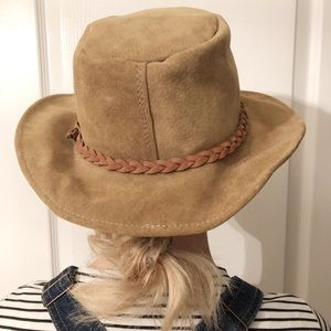Walkabout Real Leather/suede brown hat
